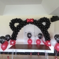 Tabletop Minnie Mouse balloon arch